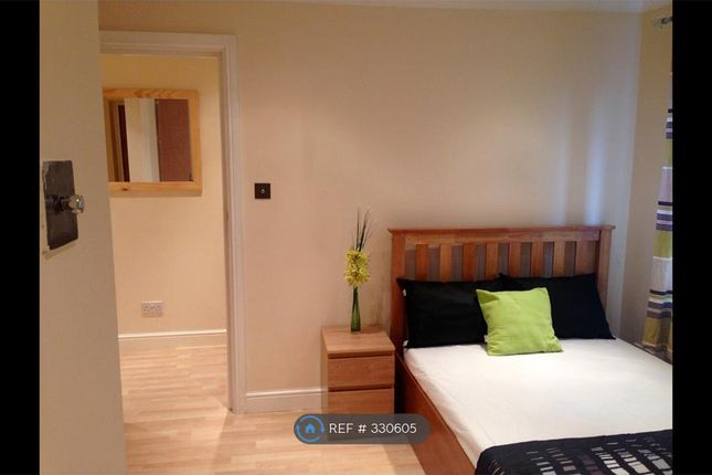 Room to rent in Delisle Road, London