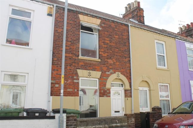 Thumbnail Terraced house to rent in Stone Road, Great Yarmouth