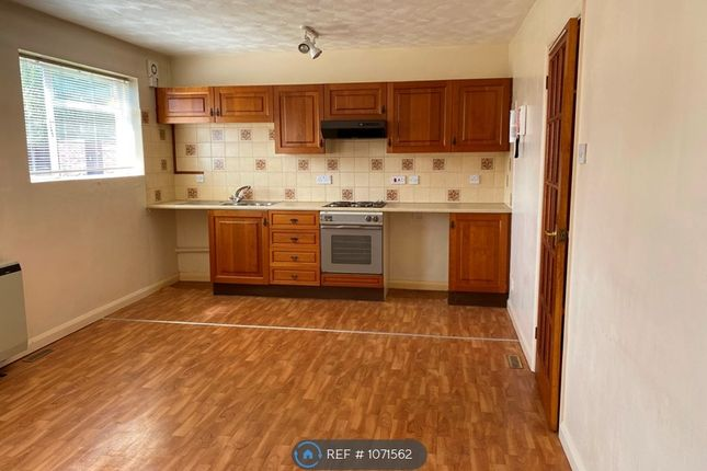 1 bed flat to rent in Lampettsdowne, Corringham, Stanford-Le-Hope SS17