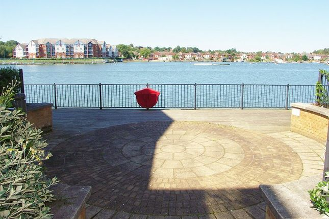 2 bed flat for sale in Hawkeswood Road, Southampton