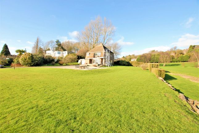 Thumbnail Detached house for sale in Cliff Road, Hythe