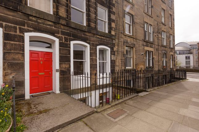 Thumbnail Flat for sale in Gardners Crescent, Edinburgh