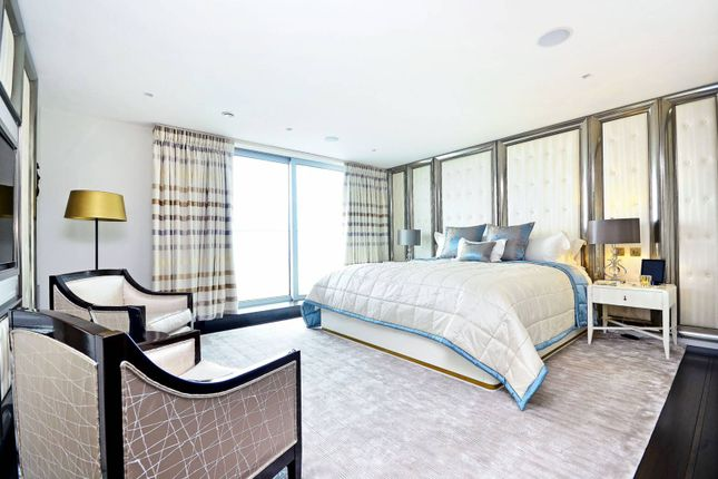 Thumbnail Flat to rent in Pan Peninsula, Canary Wharf, London