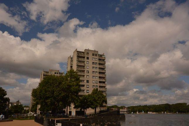 Thumbnail Flat to rent in Hartslock Drive, London
