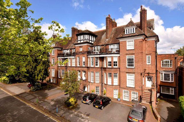 De Montfort Court, Stoneygate, Leicester LE2