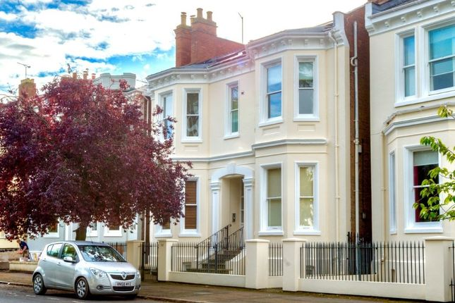Thumbnail Flat for sale in Leam Terrace, Leamington Spa