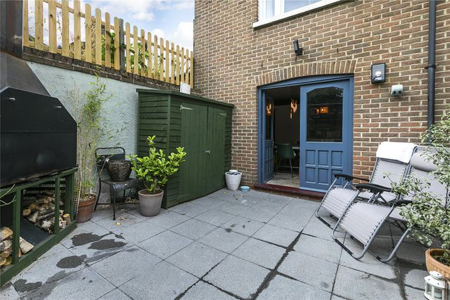 Picture 10 of Cranbrook Road, London SE8