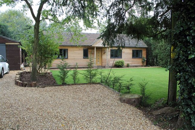 Thumbnail Country house for sale in Queens Road, Liphook