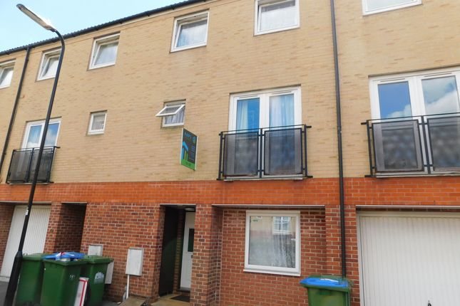 Thumbnail Room to rent in Carpathia Drive, Southampton