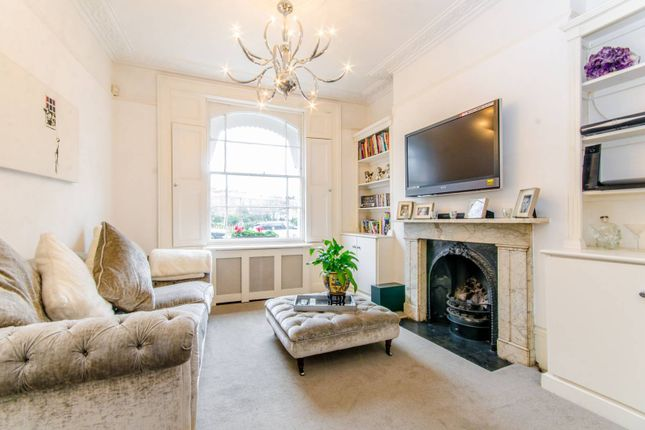 Thumbnail Property for sale in Thornhill Square, Islington