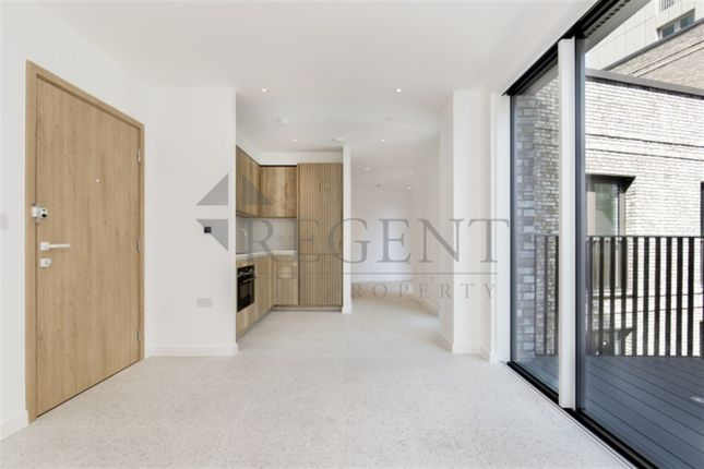 2 bed flat to rent in Georgette Apartments, Sidney Street E1
