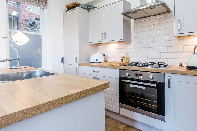 Thumbnail Flat to rent in Fortis Green Road, London