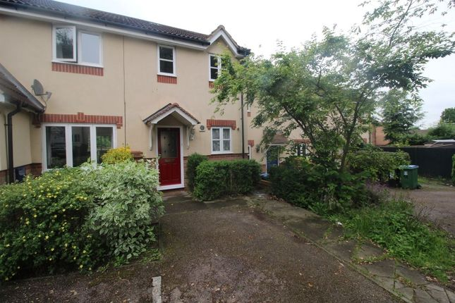 Thumbnail Terraced house to rent in Lingmoor Drive, Watford