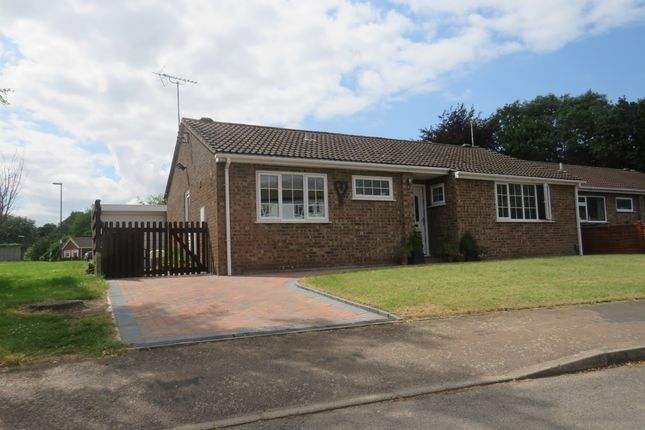 Thumbnail Detached bungalow for sale in Wade Grove, Warwick