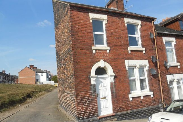 Thumbnail Flat to rent in Jervis Street, Northwood, Stoke-On-Trent