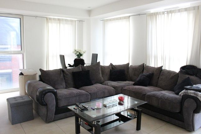 Thumbnail Flat for sale in High Road, Wood Green
