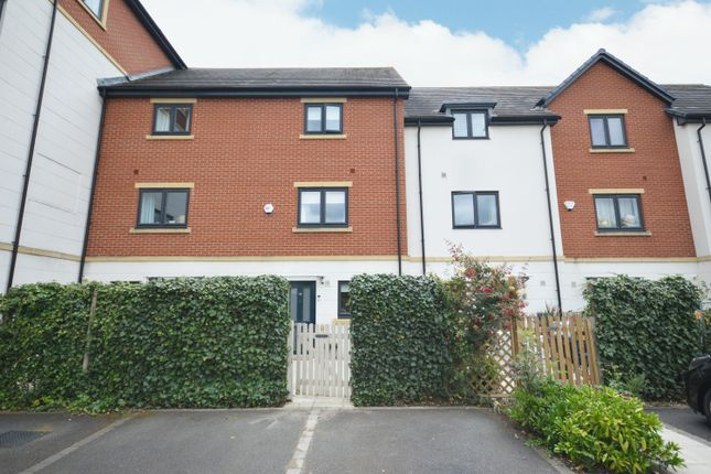 3 bed town house to rent in Parkgate Mews, Richard Lewis Way, Shirley B90