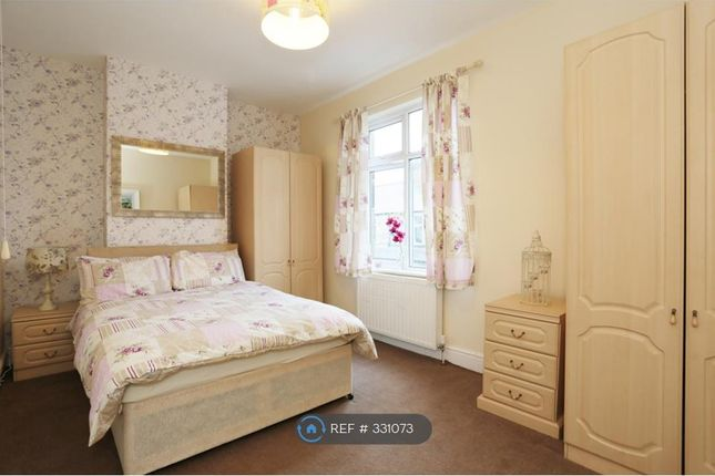 Thumbnail Room to rent in Albert Place, Harrogate