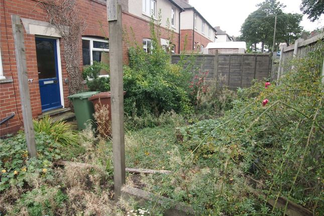 Picture No. 08 of Greaves Avenue, Wakefield WF2