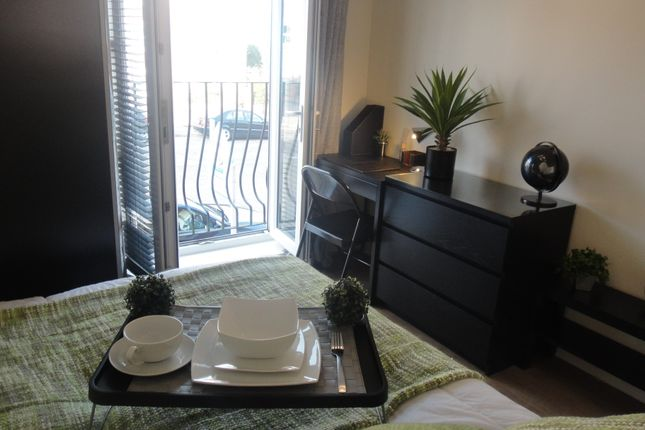 Thumbnail Room to rent in Longstork Road, Rugby
