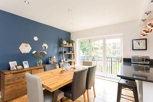 Dining Kitchen of Shaftesbury Avenue, Leeds LS8