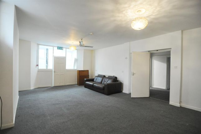 Thumbnail Flat to rent in Cecil Avenue, Great Horton, Bradford