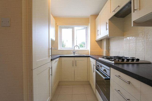 2 bed flat to rent in Crosslet Vale, Greenwich, London SE10
