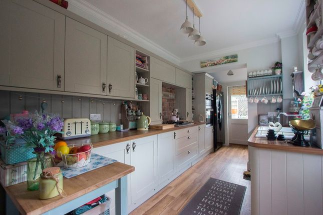 3 bed semi-detached house for sale in Well Street, Ryde