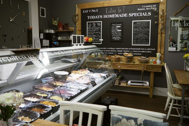 Thumbnail Restaurant/cafe for sale in Cafe & Sandwich Bars SK17, Derbyshire