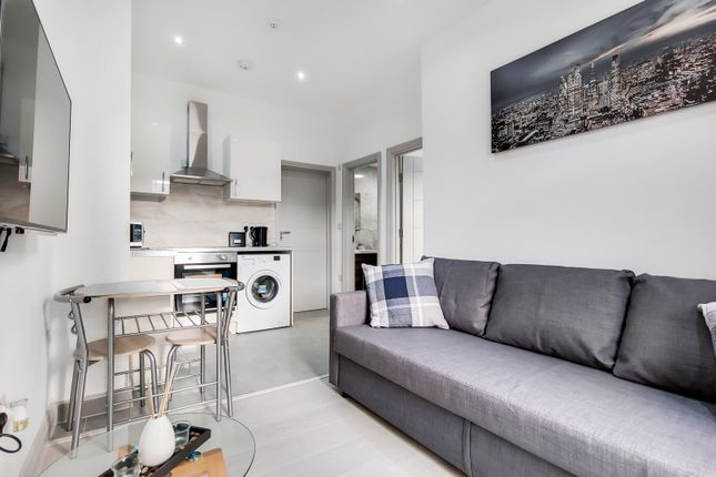 1 bed flat to rent in Edgware Road, London W2