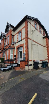 1 bed flat to rent in Conway Road, Colwyn Bay LL29