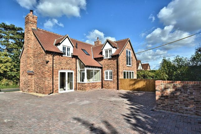 Thumbnail Detached house for sale in Manor Road, Didcot