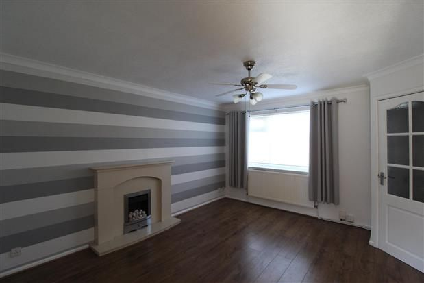 Thumbnail Property to rent in Lower Southfield, Westhoughton, Bolton