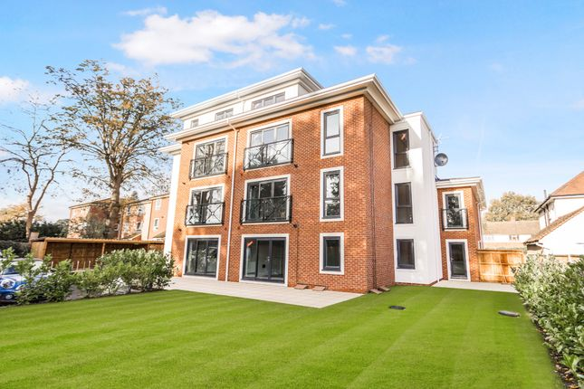 2 bed flat for sale in Church Road, Addlestone KT15