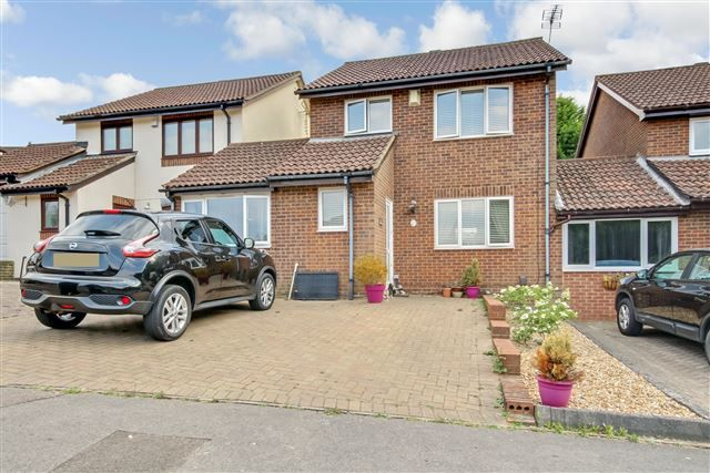 Thumbnail Link-detached house to rent in Hollingbourne Crescent, Crawley