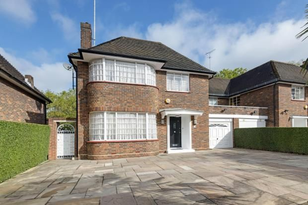 Thumbnail Semi-detached house for sale in Carlyle Close, Hampstead Garden Suburb, London