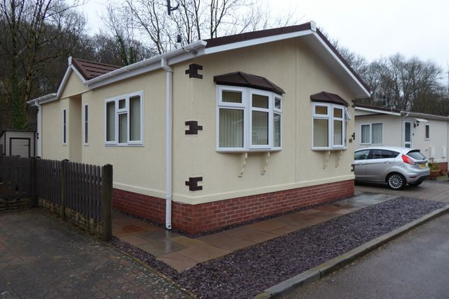 Thumbnail Mobile/park home for sale in Woodlands Park, Quakers Yard (Ref 6121), Treharris, Mid Glamorgan, Wales
