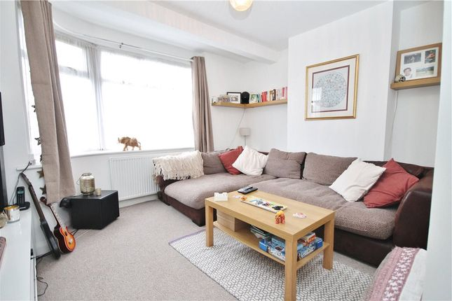 Thumbnail Maisonette to rent in Sidmouth Road, Orpington