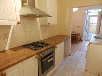 Thumbnail Shared accommodation to rent in Gwydr Crescent, Swansea