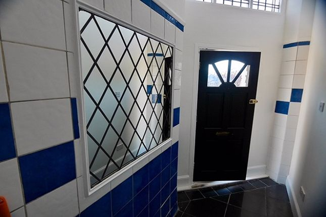 Thumbnail Flat to rent in Northern Buildings, Northern Road, Cosham, Hampshire