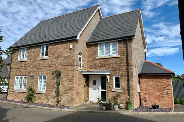 Thumbnail Detached house for sale in Bramley Place, Great Baddow, Chelmsford