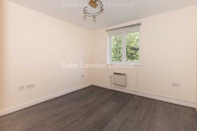 Thumbnail Flat to rent in Streathbourne Road, London