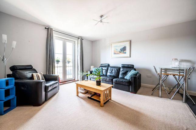 2 bed flat for sale in Tudor Way, Woking GU21, Woking,