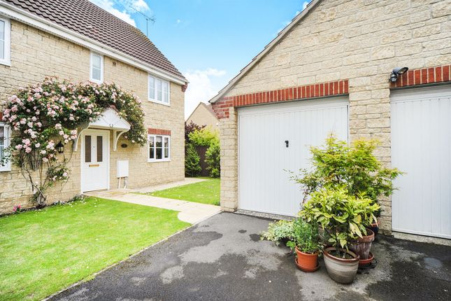 Thumbnail Detached house for sale in Kestrel Close, Calne