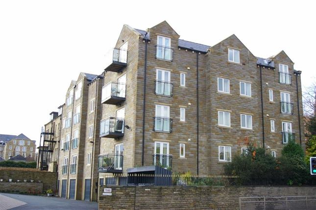 Thumbnail Flat to rent in Copperfield House, Huddersfield Road, Halifax
