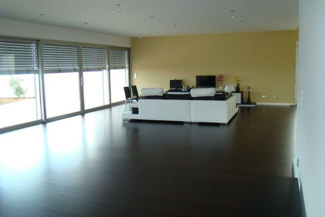 Generous Open-Plan Living/Dining With Wengé Hardwood Floors