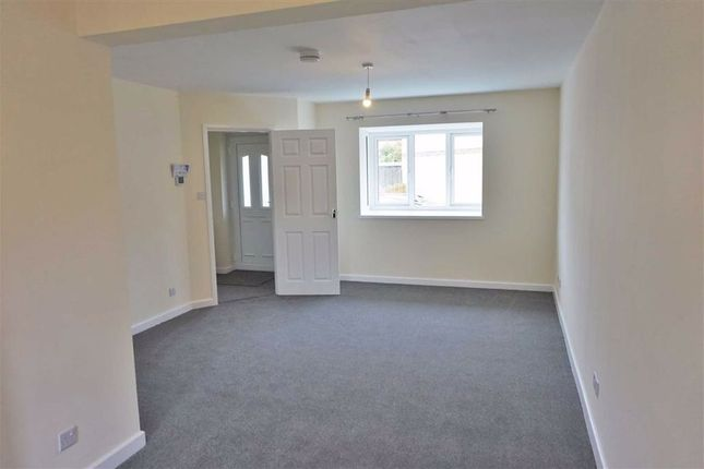 Thumbnail Semi-detached house to rent in Roebuck Close, Weston-Super-Mare