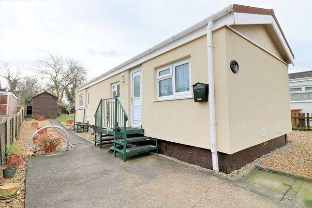 Thumbnail Property for sale in Main Avenue, Ashfield Park, Scunthorpe