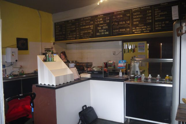 Restaurant/cafe for sale in Cafe & Sandwich Bars BD12, Wyke, West Yorkshire