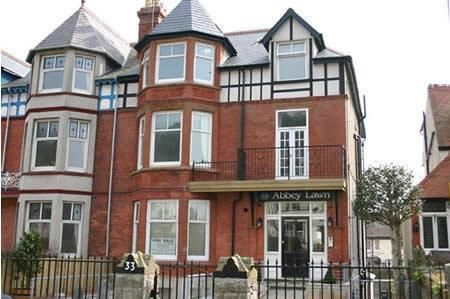 Thumbnail Flat to rent in LL30, Llandudno, Borough Of Conwy